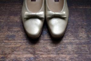 靴 オーダー パンプス ゴールド リボン 神戸 halva-halva