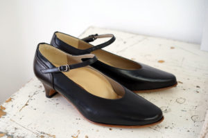 靴 オーダー パンプス 黒 神戸 halva-halva