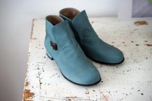 靴 オーダー チャッカー ブルー 神戸 halva-halva