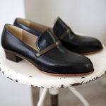 スリッポン 黒 ブロンズ革ベルト オーダー靴